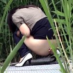 盗撮!野ションの瞬間!!2 ~行列トイレの裏ドラマ~